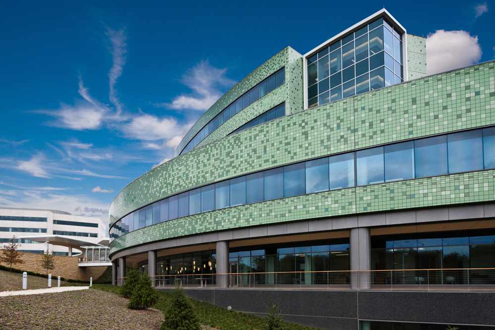 Triple Insulating Glass for Commercial Buildings - Viracon Single Source Architectural Glass